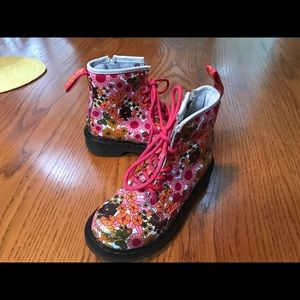 Dr Marten's girls boots good used condition